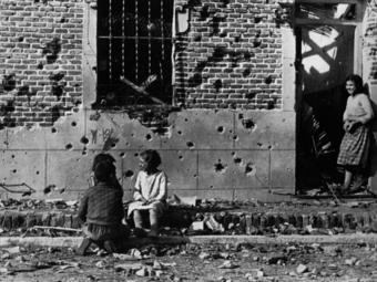 Védetté nyilvánítottak egy nemrég előkerült Robert Capa-fotón szereplő madridi épületet