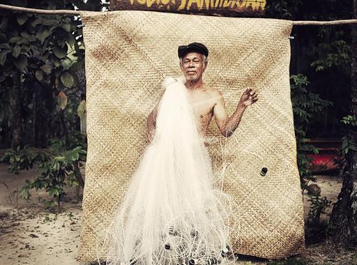 Egy magyar fotós képei egy Fülöp-szigeteki halászfalu lakóiról - Dóka Béla: Studio Panindigan