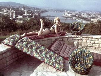 Gumimatraccal a Gellérthegyen - Válogatás a Palma Gumigyár reklámfotóiból (1969)