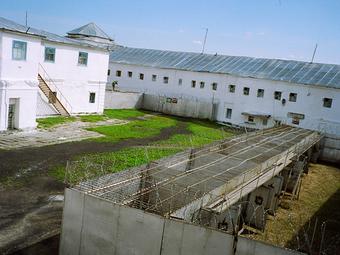 Fekete András képei egy oroszországi börtön mindennapjairól (2004)