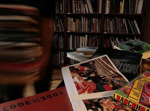 20 korhatáros fotóalbum a ma 20 éves Pécsi József Fotográfiai Szakkönyvtár állományából