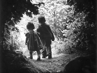 Egy világhírű gyerekfotó története: W. Eugene Smith - Séta az édenkertbe (1946)
