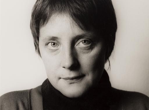 Angela Merkerről készült portrékat is elárvereznek Bécsben