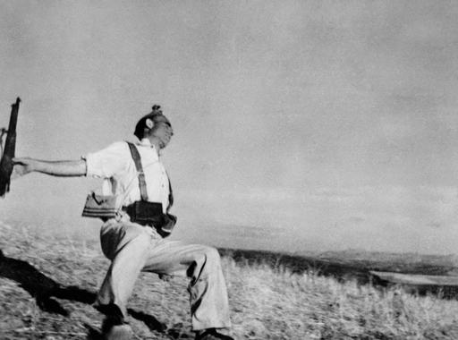 Megrendezett vagy egy jól elkapott pillanat? - Gondolatok Robert Capa legvitatottabb felvételéről