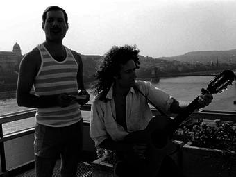 Richard Young: A Queen Budapesten (1986)