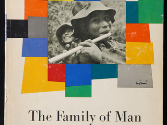A fényképezés történetének egyik legfontosabb kiállítása: The Family of Man - Az ember családja (1955)