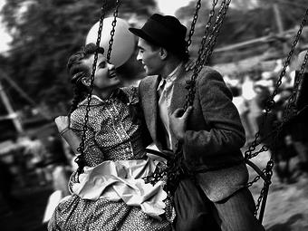Schandl Teréz ritkán látott standfotói a Körhinta című film forgatásáról (1955)