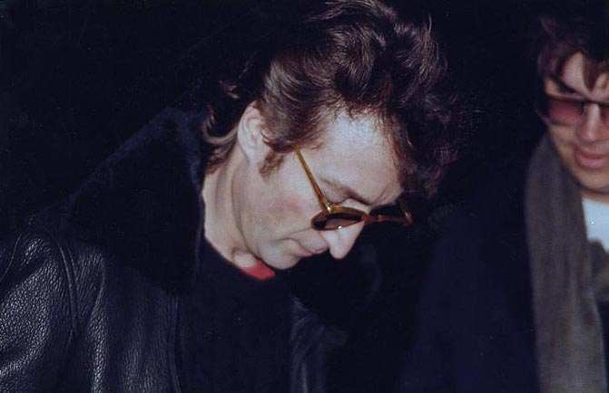 Lennon_and_Chapman.jpg