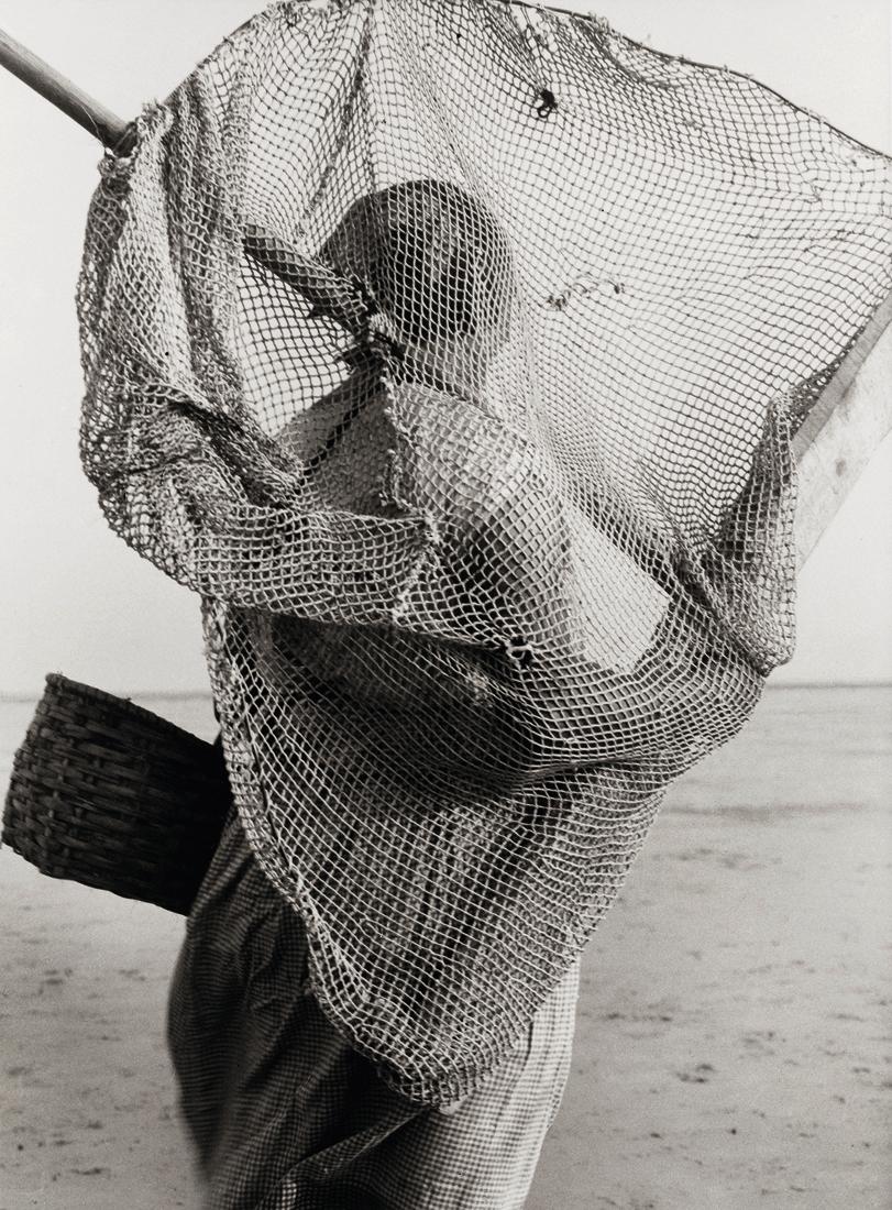 Fotó: Albert Renger-Patzsch: Rákhalász lány, 1927 © Albert Renger-Patzsch / Archiv Ann und Jürgen Wilde, Zülpich / ADAGP