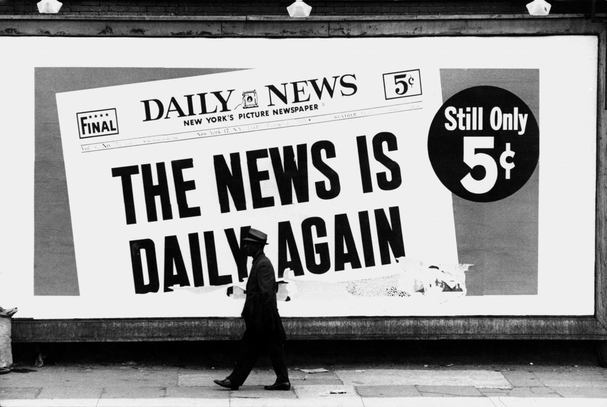 Fotó: Dennis Hopper: Daily News (Harlem, New York City), 1962 © The Dennis Hopper Trust