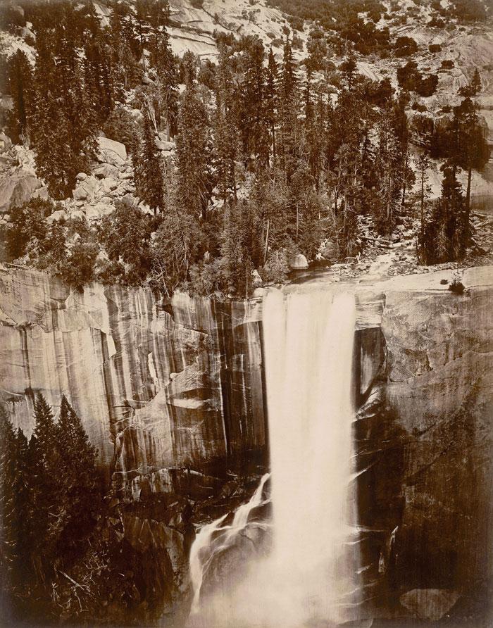 "Fotó: Eadweard Muybridge: Pi-Wi-Ack. Valley of the Yosemite. (Shower of Stars) ""Vernal Fall."" 400 Feet Fall. No. 29, 1872, albumen print © Collection San Francisco Museum of Modern Art; gift of Jeffrey Fraenkel and Frish Brandt"