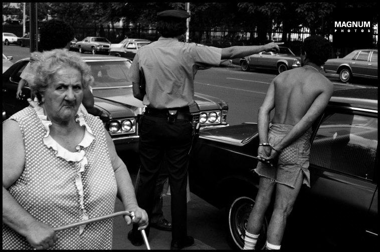 Fotó: Leonard Freed: Részlet a Police Work című sorozatból, New York City. 1978 © Leonard Freed/Magnum Photos