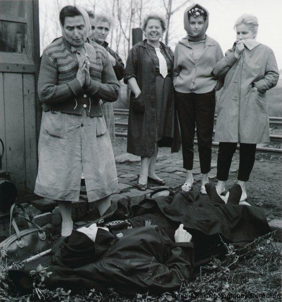 Fotó: Friedmann Endre: A halál arcai, 1963 © Friedmann Endre / Körmendi-Csák 20. századi Magyar Fotóművészeti Gyűjtemény