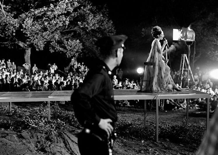 Fotó: Harry Benson: Barbra Streisand, Central Park, New York, 1967 © Harry Benson