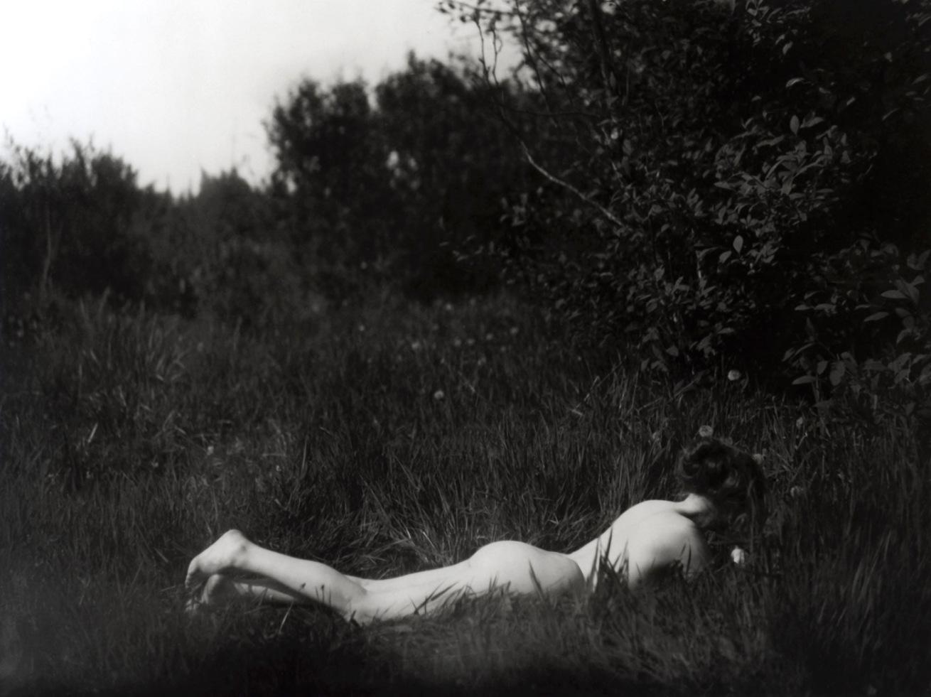 Fotó: Imogen Cunningham: Önarckép, 1906, Platinum print © The Imogen Cunningham Trust, 2012