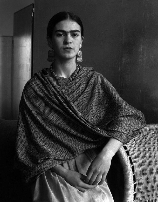 Fotó: Imogen Cunningham: Frida Kahlo Rivera, Painter and Wife of Diego Rivera, 1931