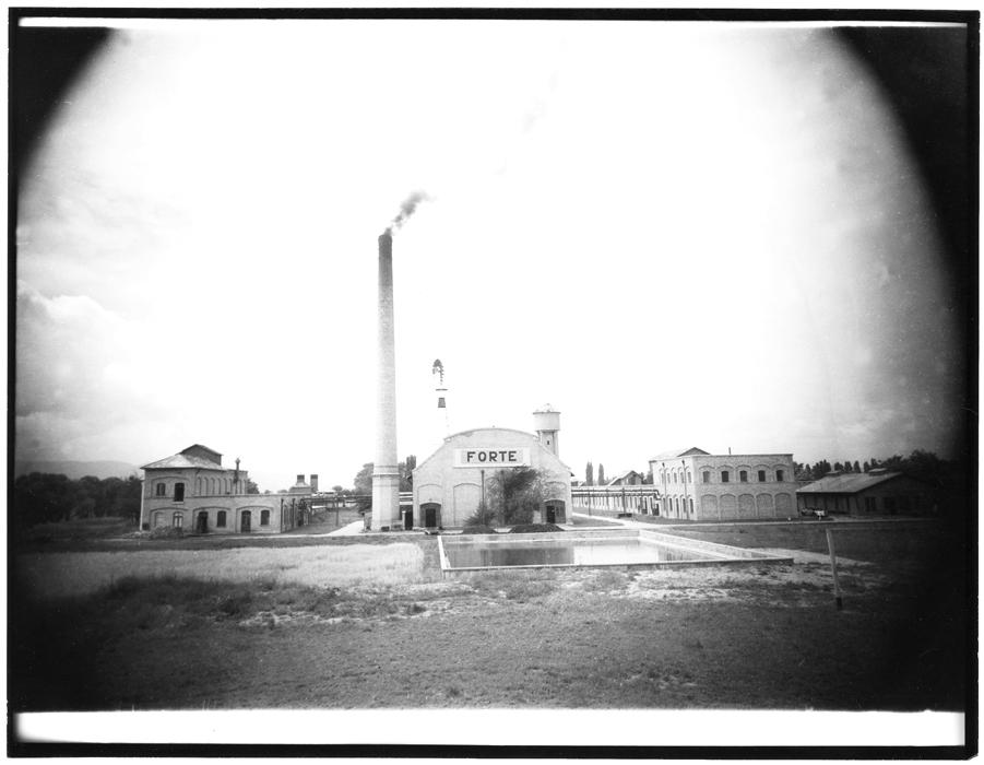 Fotó: Járai Rudolf: A Forte gyár Vácott, 1948. március 18. © Magyar Fotográfiai Múzeum
