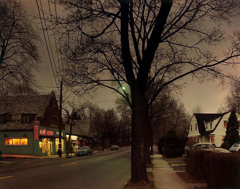 Fotó: Joel Meyerowitz: Dusk, New Jersey, 1978 © Joel Meyerowitz