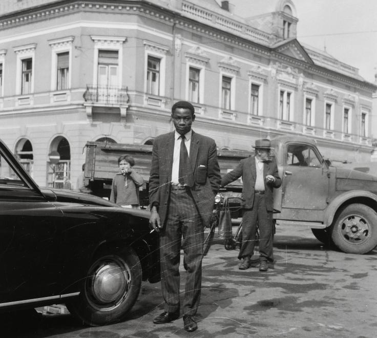 Fotó: Kotnyek Antal: Debrecen, Dósa Nádor tér, balra a Zámenhof utca torkolata. Wartburg 311 típusú személygépkocsi, 1966 © Kotnyek Antal/Fortepan.hu