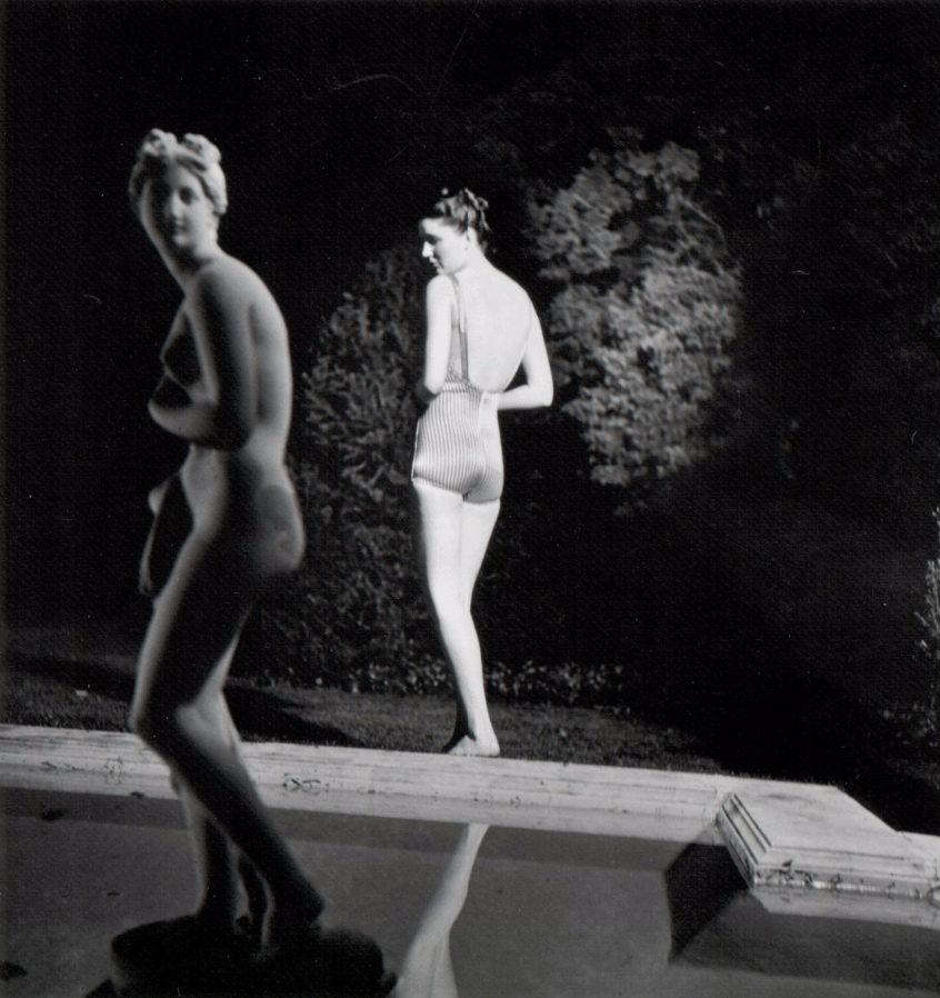 Fotó: Louise Dahl-Wolfe: Night Bather, 1939 © Louise Dahl-Wolfe