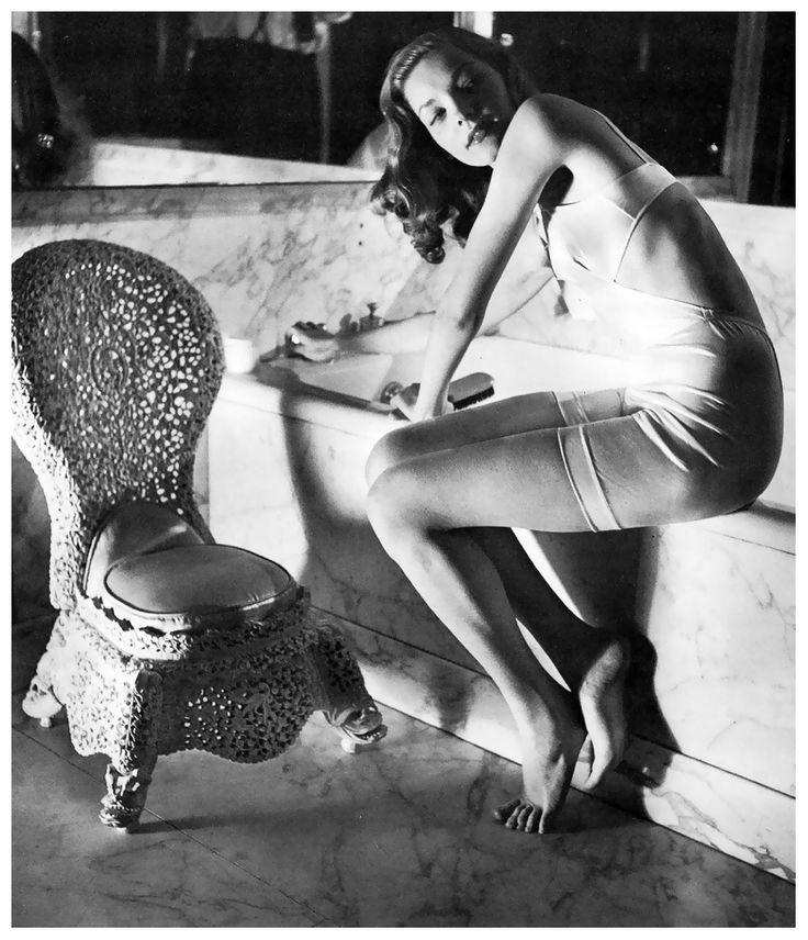 Fotó: Louise Dahl-Wolfe: Lauren Bacall, 1942 © Louise Dahl-Wolfe