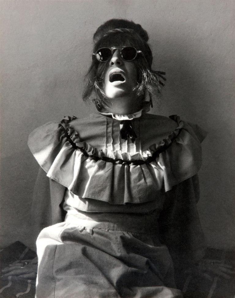 Fotó: Manuel Álvarez Bravo: Unpleasant portrait (Retrato desagradable / Portrait désagréable), 1945 © Colette Urbajtel / Archivo Manuel Álvarez Bravo, s.c.