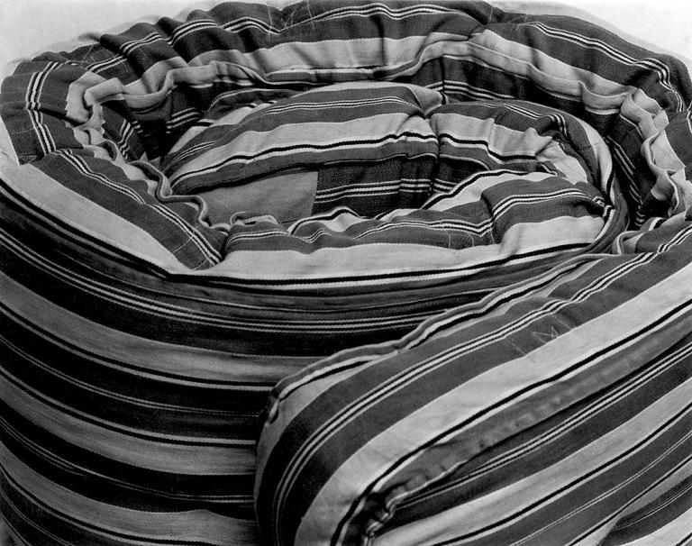 Fotó: Manuel Álvarez Bravo:  Colchón / Mattress, 1927 © Colette Urbajtel / Archivo Manuel Álvarez Bravo, s.c.