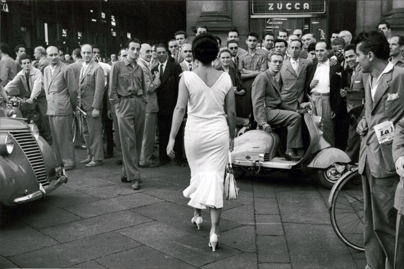 Fotó: Mario de Biasi: Milano, 1954 © Mario de Biasi/Mondadori Portfolio