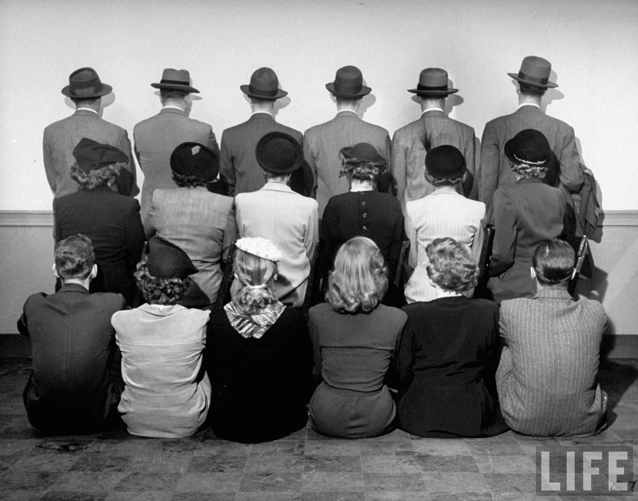 Fotó: Nina Leen: A Macy's civilruhás biztonsági őrei, 1948. december © Nina Leen/Life Magazine