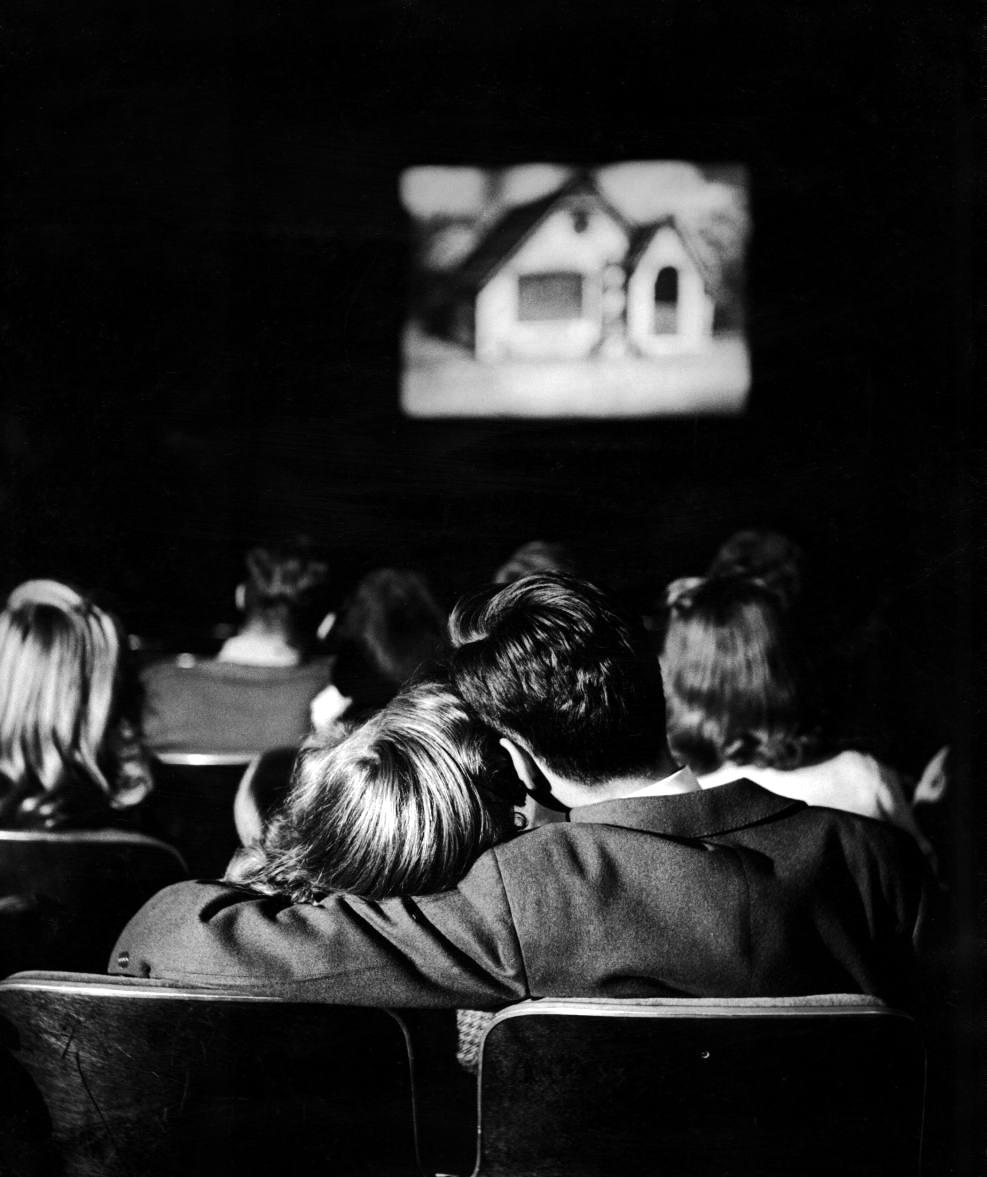 Fotó: Nina Leen: Fiatalok a moziban, 1944 © Nina Leen/Life Magazine