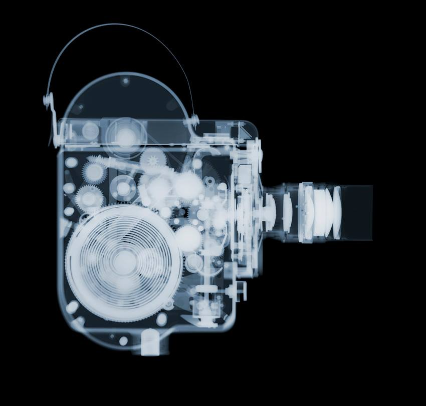Fotó: Nick Veasey: The Bolex, C-Type Print mounted on Plexi, © Nick Veasey