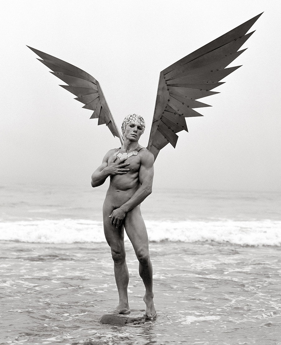 Fotó: Herb Ritts: Vladimir with Wings (Front View), Malibu, 1996 © Herb Ritts Foundation Photograph