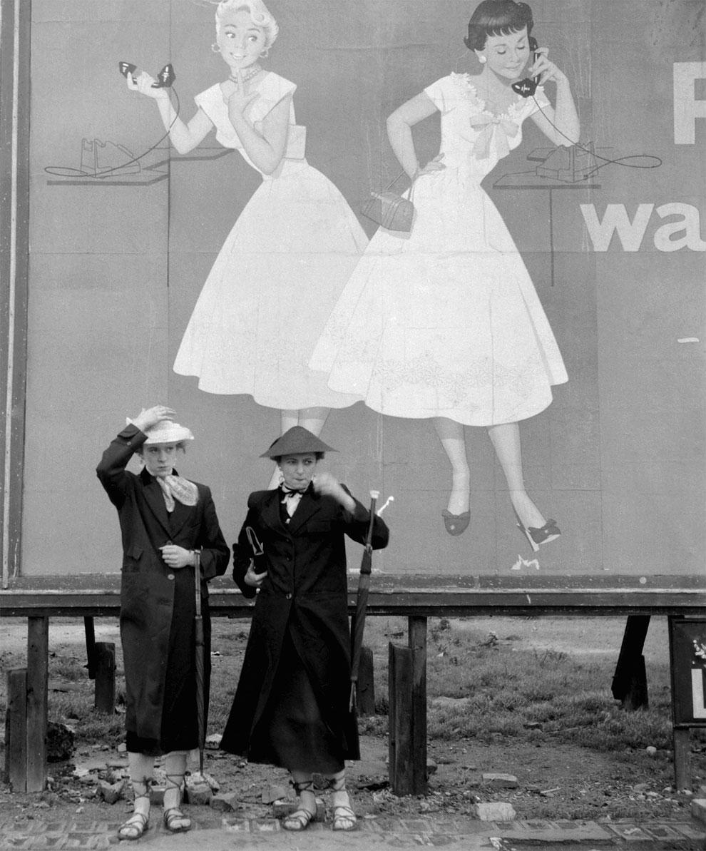 Fotó: Ken Russell: Részlet a The Last of the Teddy Girls című sorozatból, 1955 © Ken Russell/TopFoto