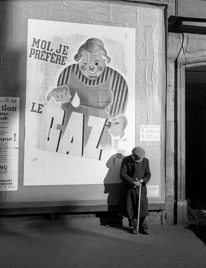 Fotó: Fred Stein: Gázreklám, Párizs, 1935 © Fred Stein Archive