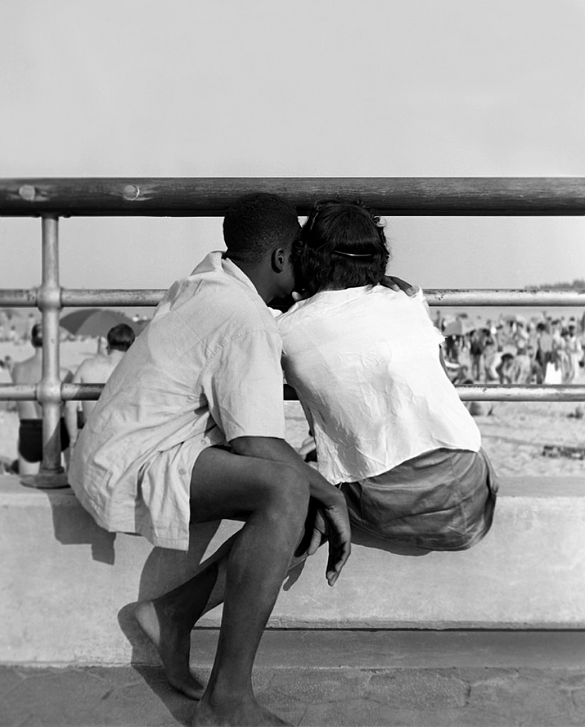 Fotó: Fred Stein: Orchard Beach, New York, 1946 © Fred Stein Archive