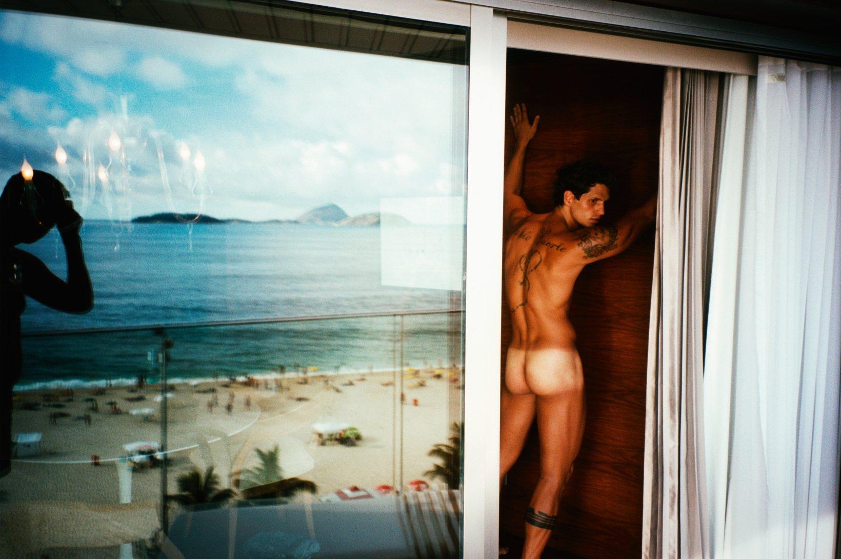 Fotó: Mario Testino: Fernando Fernandes, Rio de Janeiro, 2008 © Mario Testino