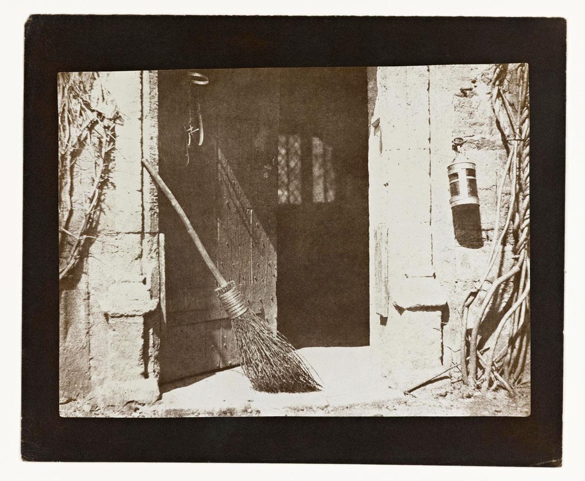 the-open-door-plate-web.jpg