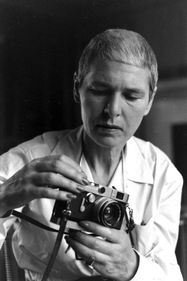 Fotó: Alfred Eisenstaedt: Margaret Bourke-White fényképezőgépével, 1959 © The LIFE Picture Collection/Getty Images