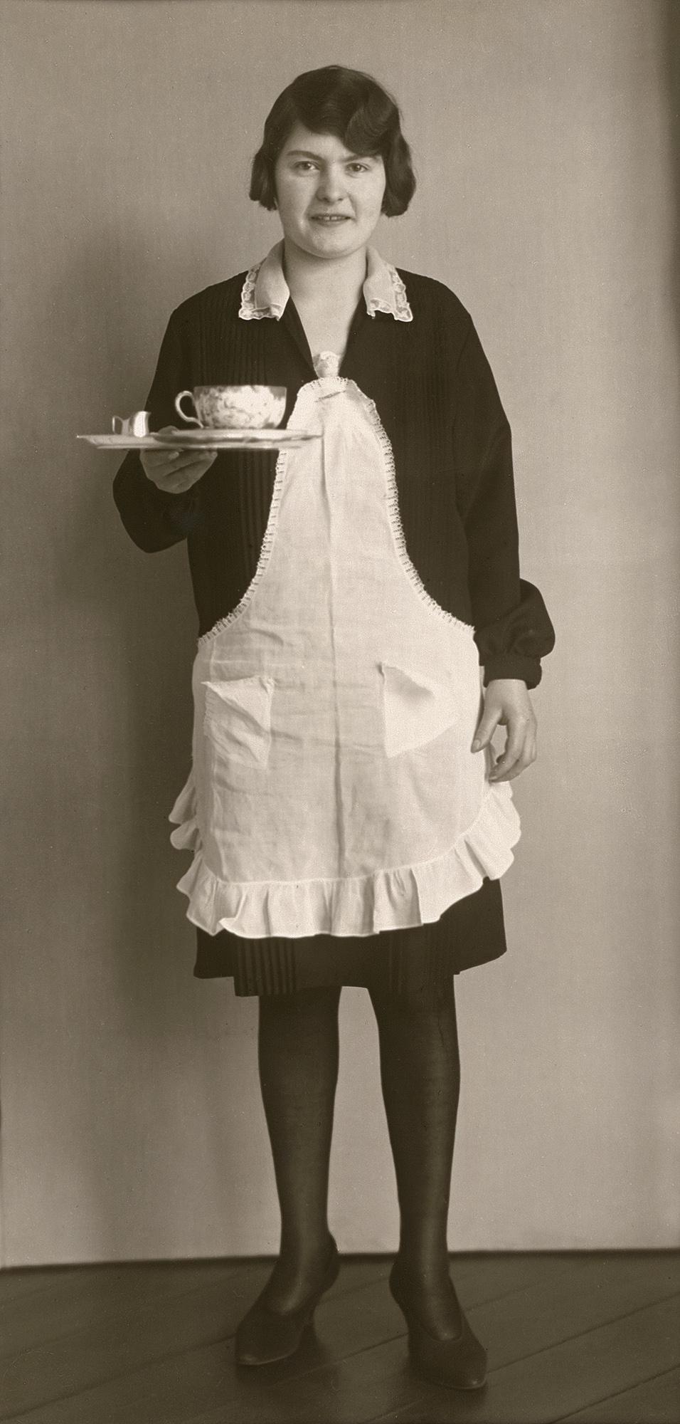 Fotó: August Sander <br />Café Waitress<br />1928/29<br />Gelatin silver print<br />© Die Photographische Sammlung/SK Stiftung Kultur – August Sander Archiv; VG Bild-Kunst, 2018