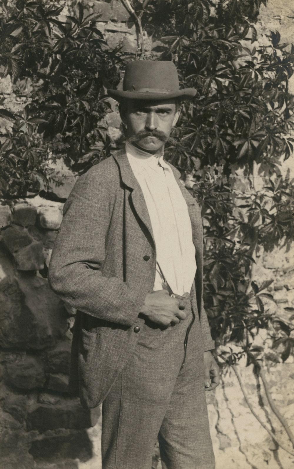 Fotó: Karl Blossfeldt: Önarckép, Róma, 1895<br />Stiftung Ann und Jürgen Wilde, Pinakothek der Moderne, München