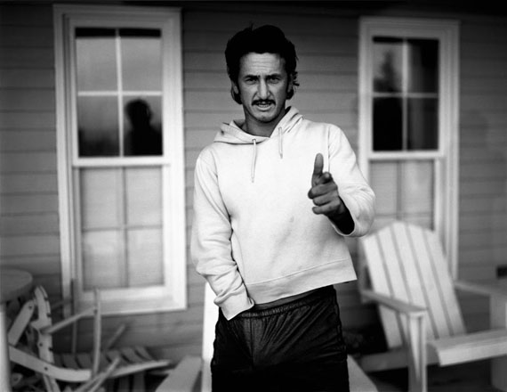 Fotó: Bryan Adams: Sean Penn, Nova Scotia, 1999 © Bryan Adams Photography
