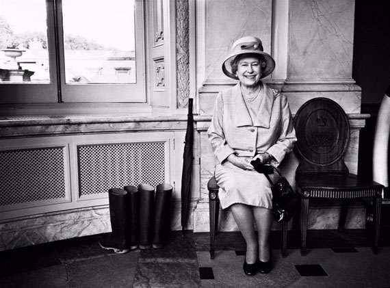 Fotó: Bryan Adams: HM The Queen, Buckingham Palace, 2008 © Bryan Adams Photography