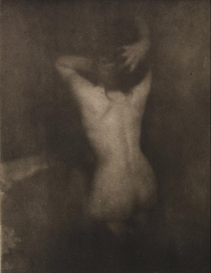 Fotó: Edward J. Steichen: Dolor, 1903 (megjelent: Camera Work 2.; 1903)