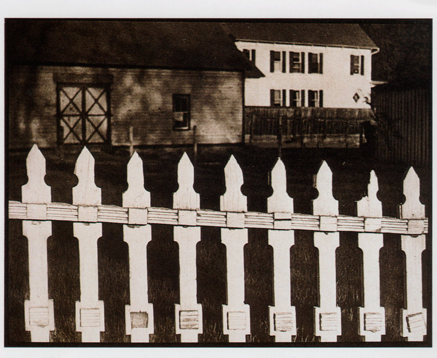 Fotó: Paul Strand: Fehér kerítés, 1917 (megjelent: Camera Work 49/50.; 1917)
