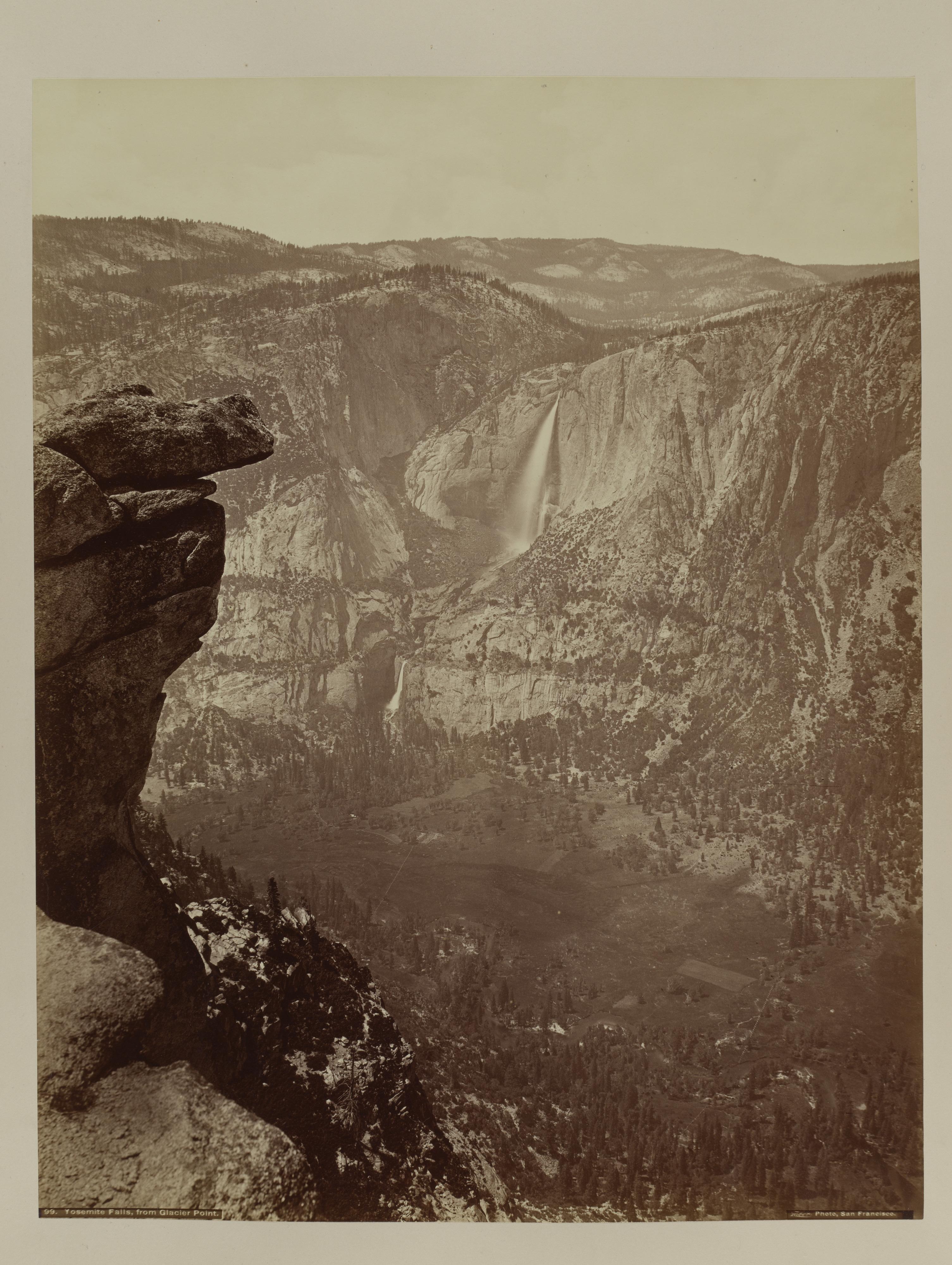 Fotó: Carleton Watkins: Yosemite Falls from Glacier Point, 1865–66, printed ca. 1875 © Carleton Watkins / The Metropolitan Museum of Art