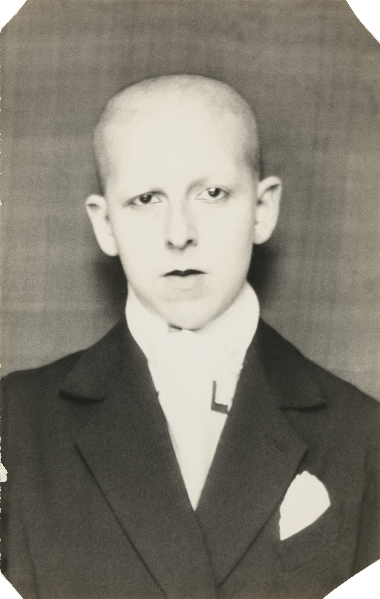 Fotó: Claude Cahun: Self-portrait (as a dandy, head and shoulders), 1921-22 © The Museum of Modern Art, New York/Thomas Walther Collection