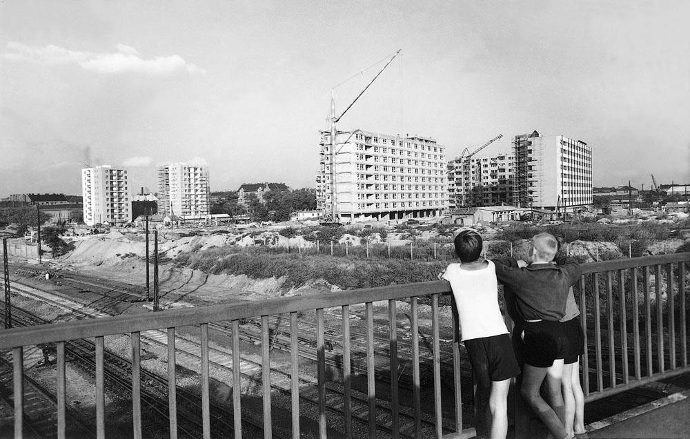 Fotó: Lakótelep építése az Árpád híd pesti hídfőjénél, 1962 © Budapesti Városépítési Tervező Vállalat