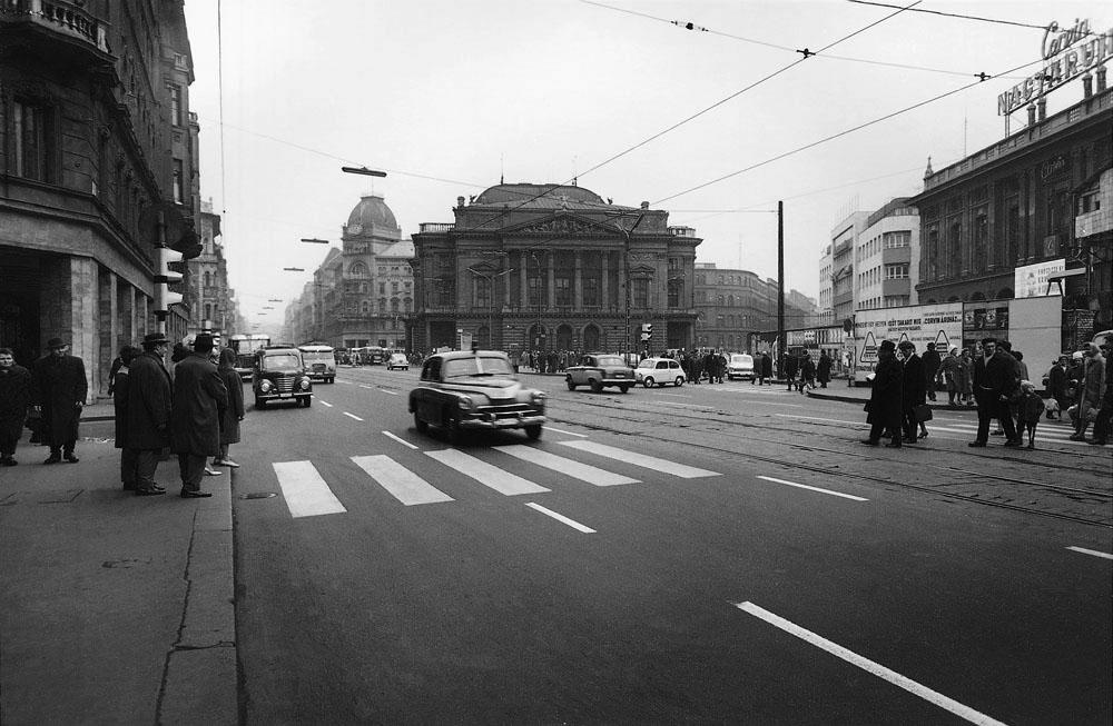 Fotó: A Blaha Lujza tér a Nemzeti Színházzal, 1960-as évek eleje © Budapesti Városépítési Tervező Vállalat