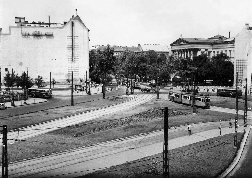 Fotó: A Kálvin tér a Tolbuhin (Vámház) körút felől, 1950-es évek vége © Budapesti Városépítési Tervező Vállalat