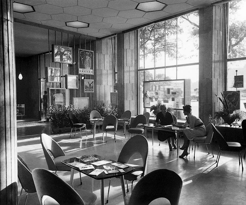 Fotó: IBUSZ-iroda a Gresham-palotában, 1960 © Budapesti Városépítési Tervező Vállalat